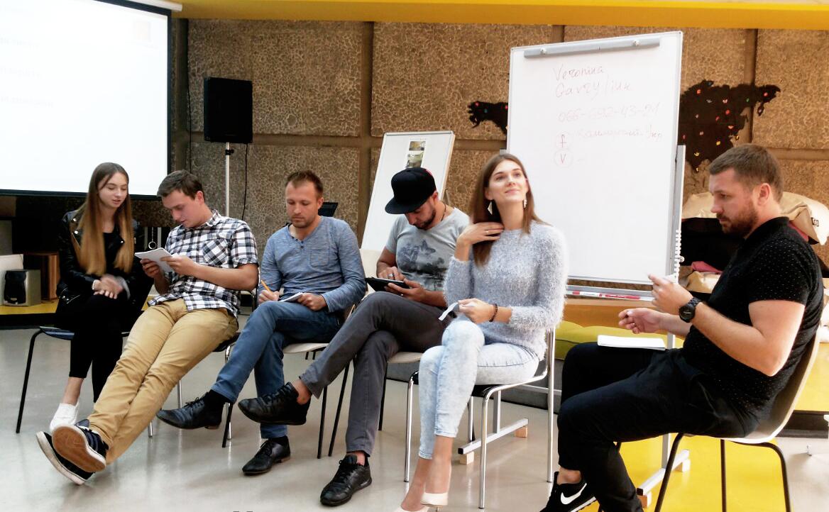 Жителі дев'яти міст стали студентами школи «Новий журналіст»
